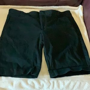 BANANA REPUBLIC black Avalon fit Bermuda shorts